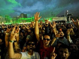 Grupo brasileiro Garage Fuzz tocou no palco alternativo do Lollapalooza (Foto: Flavio Moraes/G1)