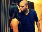 Namorada de Adriano posta foto do casal em rede social e se declara