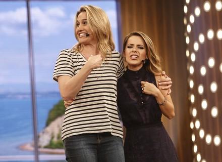 Fernanda Gentil canta com Sandy, e foto registra genuína reação de fã da apresentadora