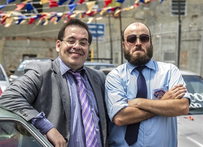 Genésio e Marreta arrumam emprego em loja de automóvel (Foto: Renato Rocha Miranda / TV Globo)