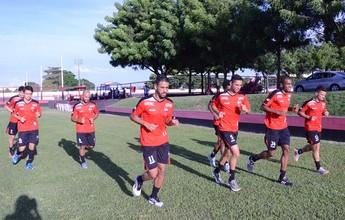 Técnico do Atlético-GO ignora jejum e celebra permanência do time no G-4