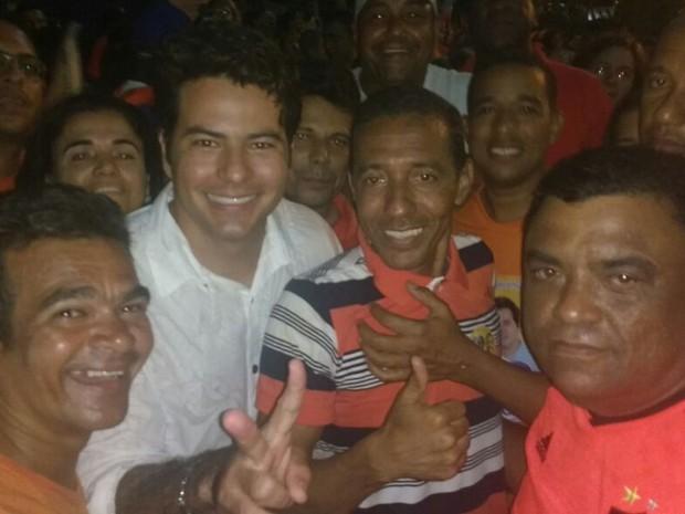 Professor Lupércio (SD) comemora vitória em Olinda (Foto: Wanessa Andrade/TV Globo)