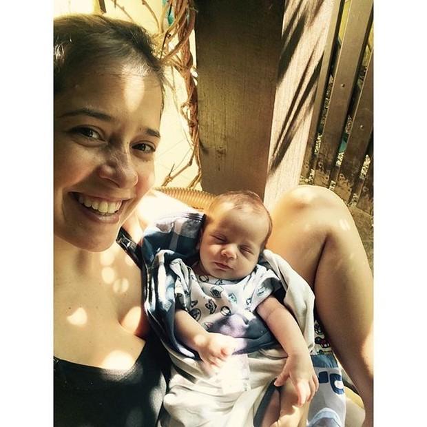 Paloma Duarte posa com o filho Antonio (Foto: Reprodução/Instagram)