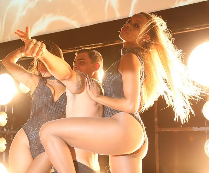 O trio se apresentou durante a festa de lançamento de A Regra do Jogo (Foto: Isabella Pinheiro/Gshow)