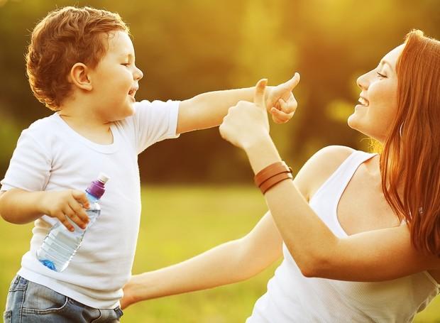 família ao ar livre (Foto: Shutterstock)
