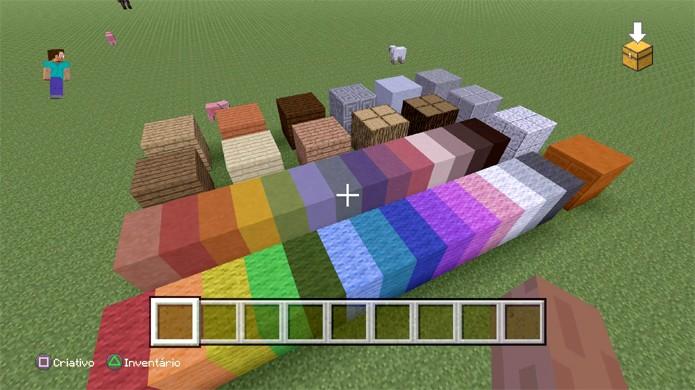 Comece a escolher quais blocos você pretende utilizar para construir sua casa em Minecraft (Foto: Reprodução/Rafael Monteiro)
