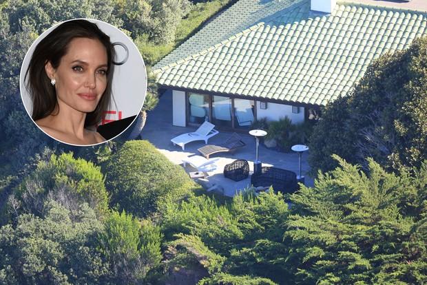 Mansão onde Angelina Jolie estaria morando com os filhos, em Malibu (Foto: X17 / Agência)