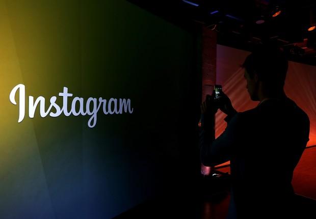 Logo do Instagram é visto em painel durante coletiva de imprensa (Foto: Justin Sullivan/Getty Images)