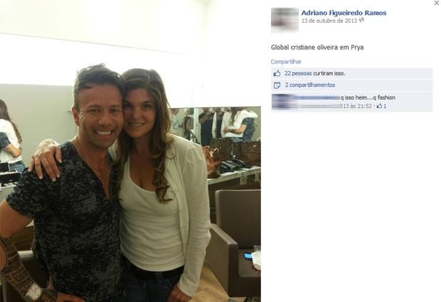 No Facebook, Adriano exibe uma foto com a atriz Cristiana Oliveira. (Foto: Reprodução / Facebook)