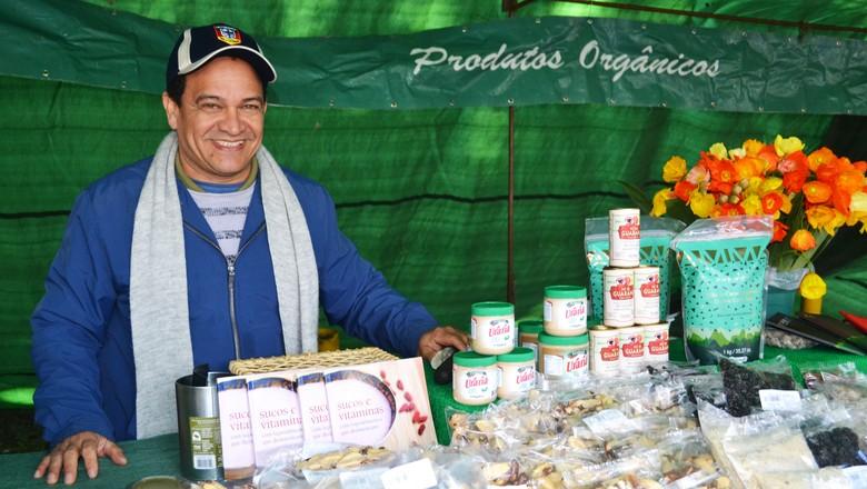 Virgílio Ramos chegou a São Paulo há seis anos e, desde então, comercializa produtos orgânicos em feiras especializadas (Foto: Marina Salles/ Ed. Globo)