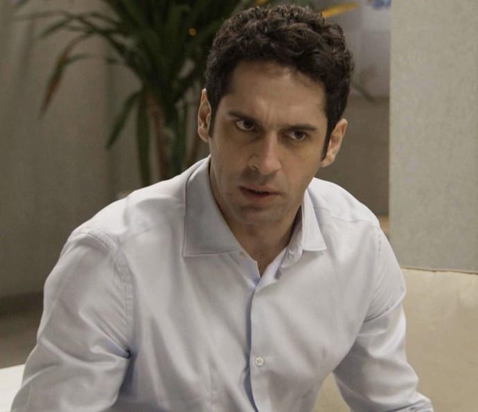 Beto está disposto a tudo para conquistar Tancinha (Foto: TV Globo)
