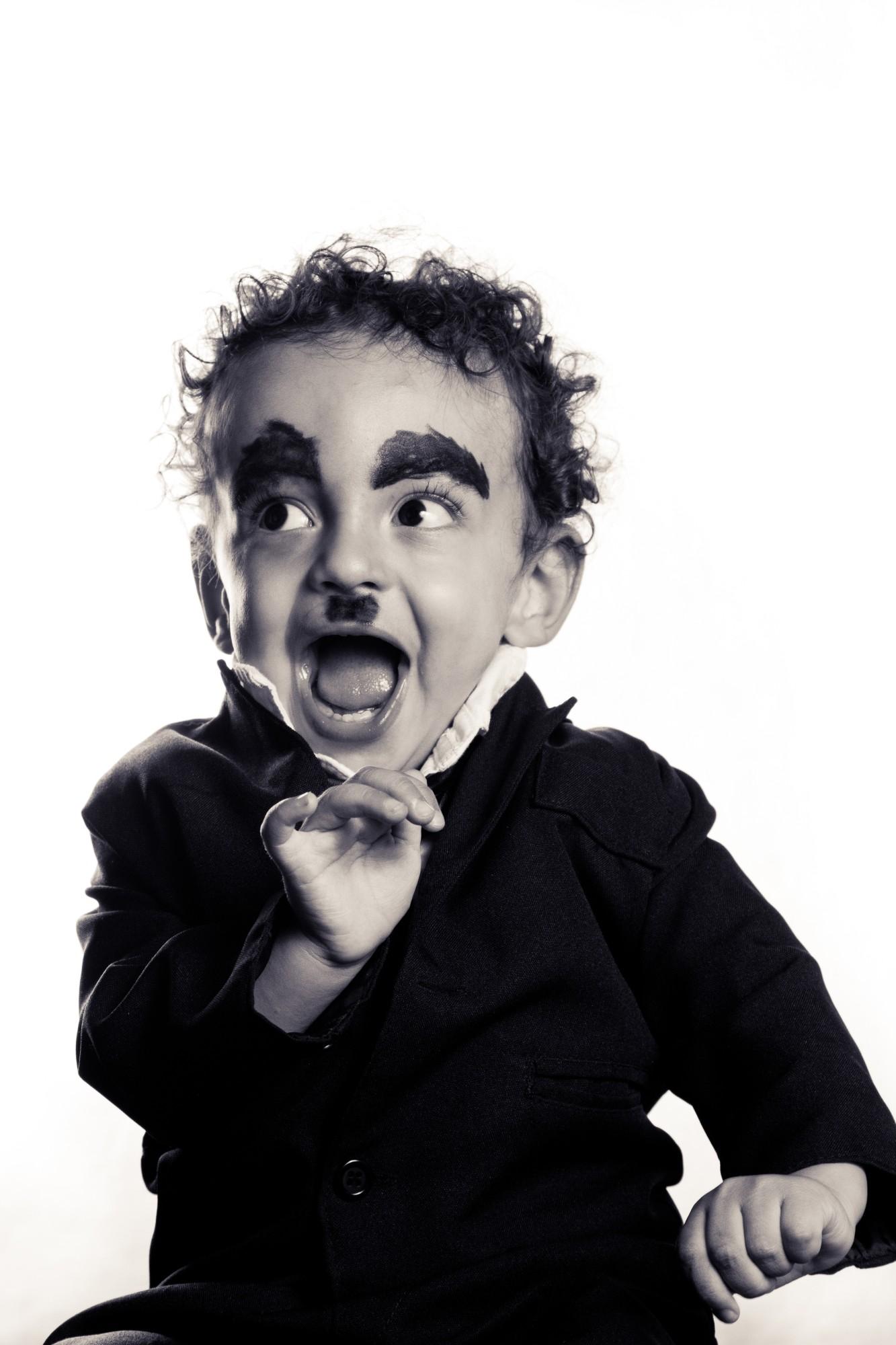 Folia em branco e preto: edição crianças
