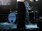 Lorde, Rita Ora e Paris Hilton exibem unhas excêntricas no Grammy