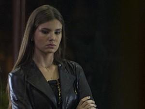 Angel chega para encontro (Foto: TV Globo)