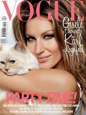 """Gisele Bündchen com Choupette na capa da """"Vogue"""" de dezembro de 2014 (Foto: Divulgação)"""