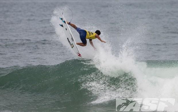Gabriel Medina surfe Tahiti Pro (Foto: ASP)