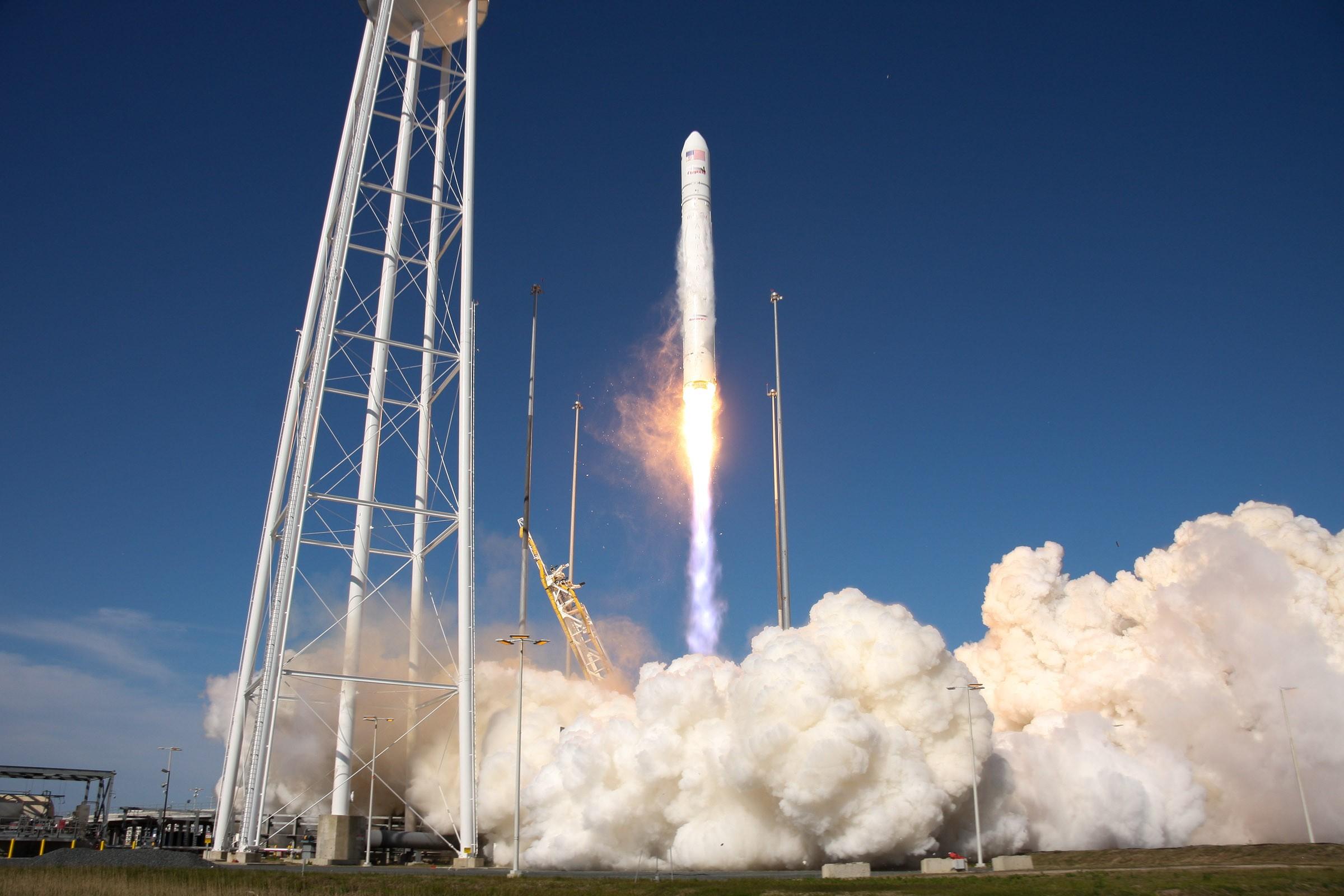 lançamento do foguete antares (Foto: centro goddard da nasa)