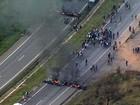 Manifestantes liberam BR-381, em Nova Era, na Região Central de MG