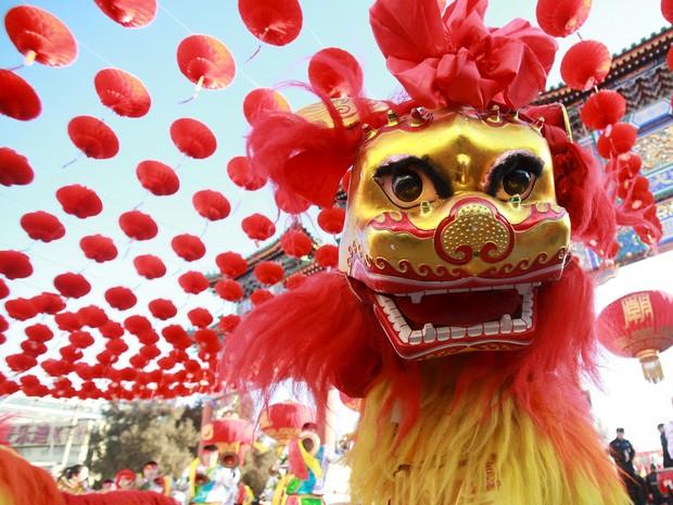 Desfile para comemorar o Ano Novo Lunar no Ditan Park, em Pequim, na China. No calendário chinês, este é o ano do macaco (Foto: REUTERS/Stringer)