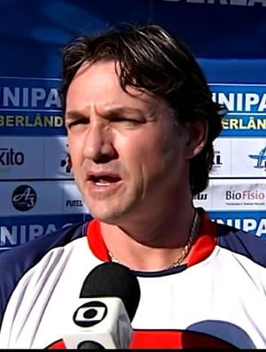 Gilson Batata, técnico do Portal de Uberlândia (Foto: Reprodução / Tv Integração)