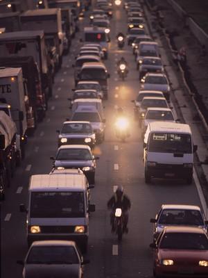 Congestionamento em uma via da Marginal Tietê (Foto: Daniel Aratangy / Editora Globo)