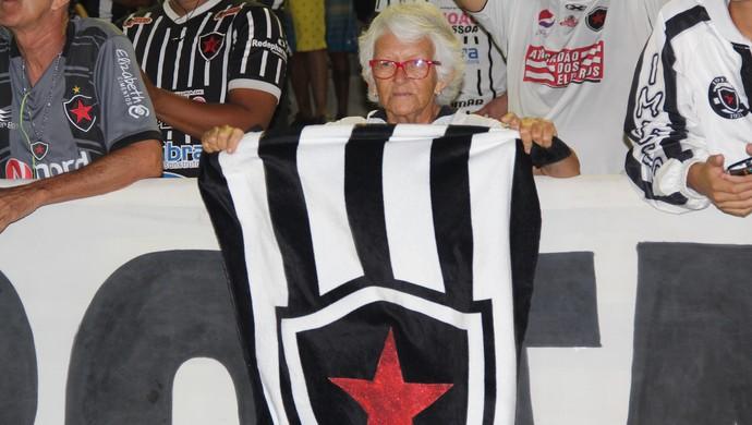 Vovó do Belo, Botafogo-PB x Boa Esporte. Estádio Almeidão, Botafogo-PB, Paraíba, João Pessoa (Foto: Edgley Lemos / GloboEsporte.com/pb)