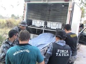 Corpos de jovens chegaram a Cuiabá nesta sexta-feira (17). (Foto: Assessoria/PM-MT)