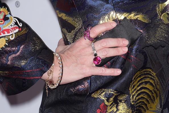 Madonna usa joias de designer brasileiro em premiação da Billboard (Foto: Getty Images)