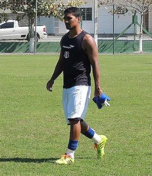 Everton está de volta ao time do Santa Cruz (Foto: Lucas Liausu/GloboEsporte.com)
