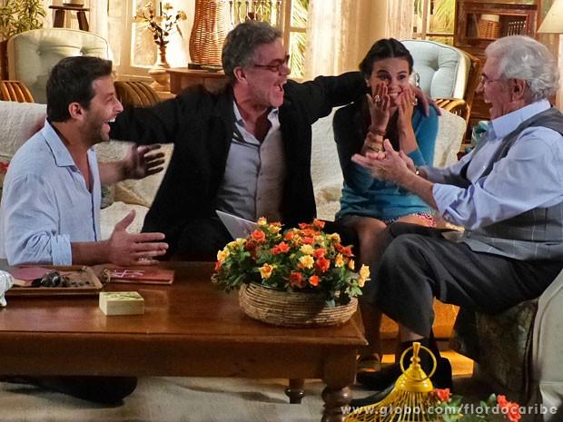 Samuel conta a Cassiano que ele vai ficar muito rico (Foto: Flor do Caribe / TV Globo)