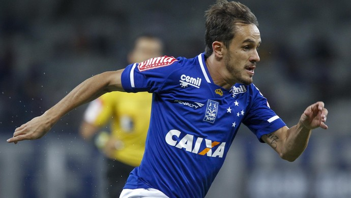 Lucas; Cruzeiro (Foto: Washington Alves/Light Press)