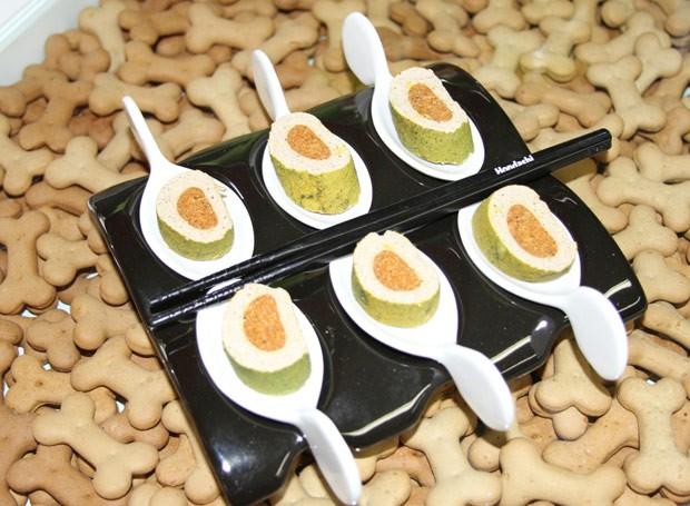 Sushi com a massa de bifinho de carne  (Foto: Divulgação)