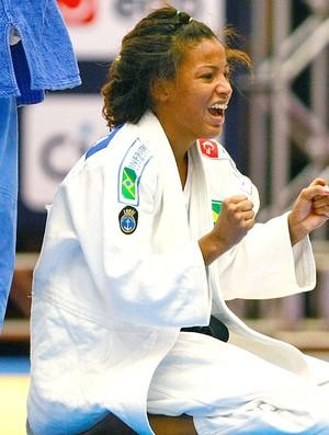 Raquel Silva comemora vitória no judô (Foto: Getty Images)