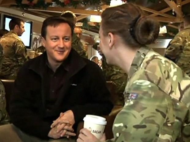 Proibição de mulheres nas linhas de frente do exército britânico deve cair em 2016 - GNews (Foto: Reprodução/GloboNews)