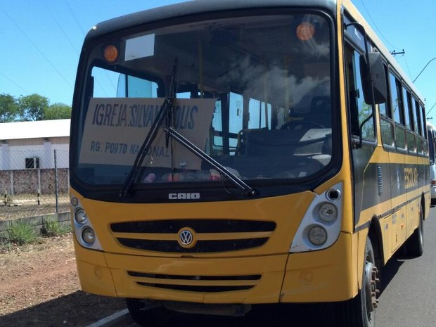 Ônibus cedido pelo Ministério dos Transportes foi flagrado transportando religiosos (Foto: CBN Tocantins)