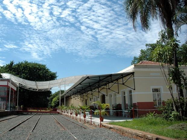 Ramal Ferroviário de Santa Bárbara d'Oeste está desativado há 15 anos (Foto: CEDOC/Fundação Romi)