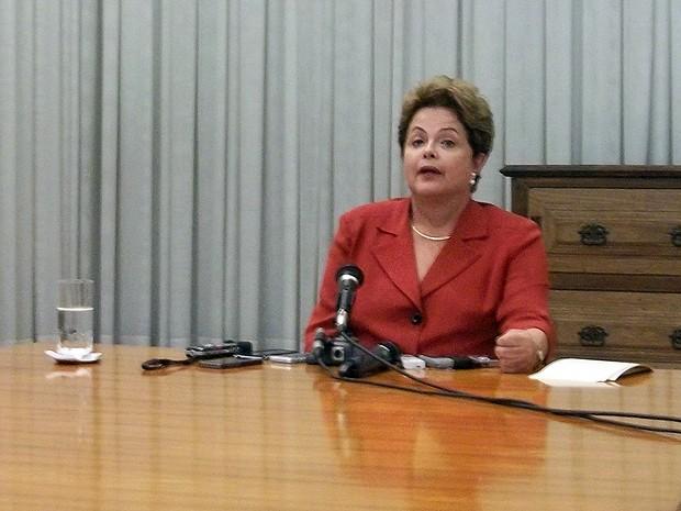 A presidente Dilma Rousseff concede entrevista no Palácio da Alvorada. (Foto: Fernanda Calgaro/G1)