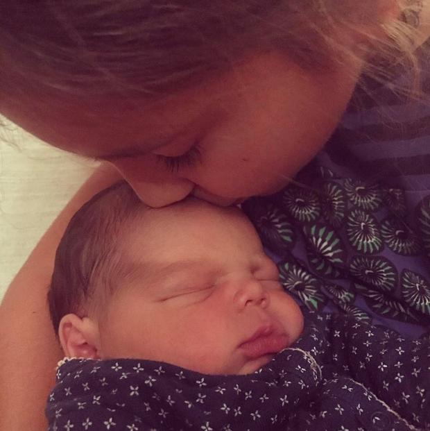 Gilberto Gil posta foto dos netos no Dia do Beijo (Foto: Reprodução/Instagram)