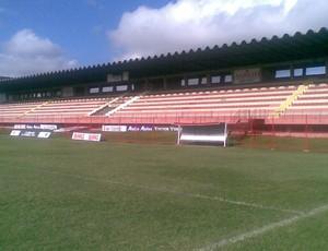 Novos alambrados do estádio Engenheiro Araripe (Foto: Igor Gonçalves/Globoesporte.com)