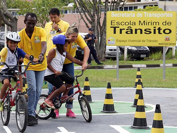 Projeto ensina segurança no trânsito  (Foto: Ney Sarmento)