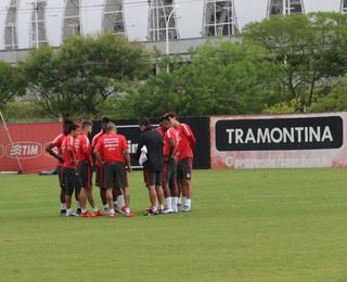 Jogadores Inter treino Argel CT Parque Gigante (Foto: Tomás Hammes/GloboEsporte.com)