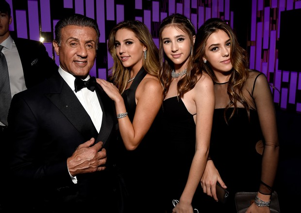 Sylvester Stallone com suas filhas Scarlet, Sophie e Sistine Stallone (Foto: Getty Images)