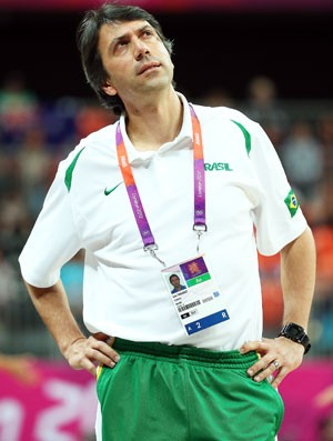 Técnico da seleção de basquete Luis Claudio Tarallo (Foto: Getty Images)
