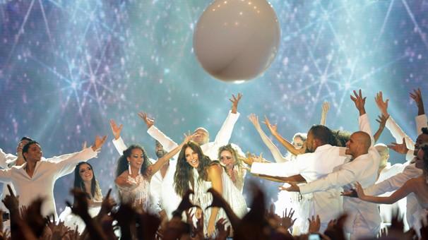 """Ivete Sangalo encerra Show da Virada com as músicas """"Tempo de Alegria"""" e """"Amor Que Não Sai"""" (Foto: Zé Paulo Cardeal/Globo)"""