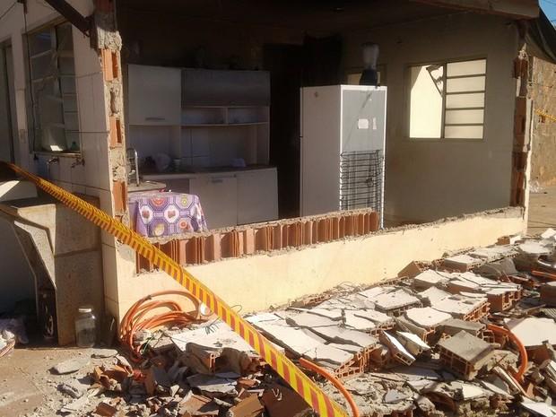 Área foi interditada pelo Corpo de Bombeiros de Araraquara (Foto: Noticiário Araraquara)