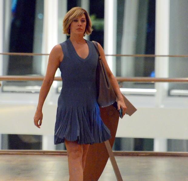 Claudia Raia em shopping na Zona Oeste do Rio (Foto: Marcus Pavão/ Ag. News)
