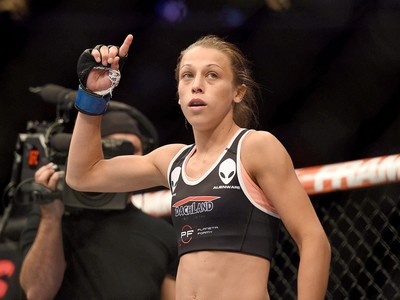 Joanna Jedrzejczyk luta contra Juliana Lima UFC (Foto: Kyle Terada-USA TODAY Sports / Reuters)