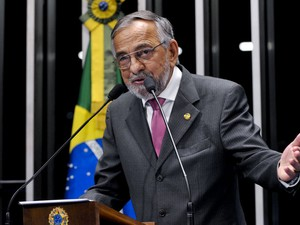 """Senador João Capiberibe (PSB-AP) afirma que o fim do voto secreto tem """"""""vital importância"""""""" para o fim da impunidade no Brasil (Foto: Geraldo Magela/Agência Senado)"""