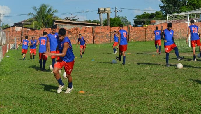 Matheus Sena, durante os treinos no Rio Branco Sub-20 (Foto: Quésia Melo)