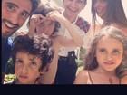 Marcos Mion viaja com mulher e filhos para a Disney